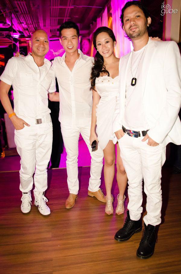 Party photo tip: Group photos