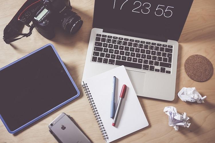 creative-designer-photographer-workspace